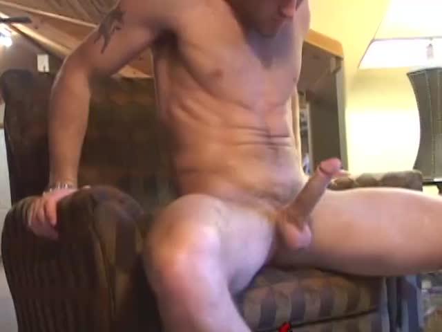 Pajas masculinas porno Chico Atractivo Dandose Una Paja En La Sala De Estar