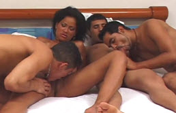 Three latino bisexuals have anal sex with a perverse woman