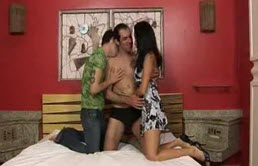 Threesome sex with two bisexuals and a brunette cocksucker