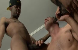 Two blacks fuck a pervert in their house