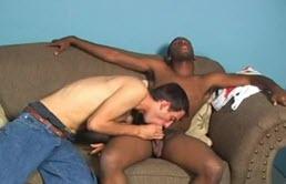 Scena xxx di sesso interrazziale