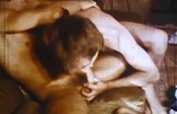 Mamada y sexo anal vintage caliente