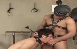 BDSM cu 2 tineri sexy si perversi
