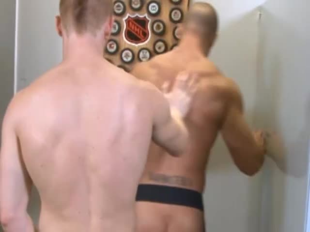 sesso gay in un bagno pubblico brutto figa porno