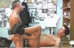 Slutty gay gives handjob while he gets fucked