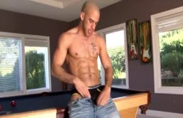 Austin Wilde masturbates his cocks