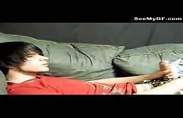 Tanar de 18 ani da o laba sanatoasa la webcam