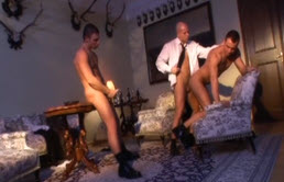 Threesome with well endowed guys