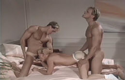 Vintage threesome with sexy blonds
