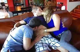 Bisexuals do a great hot threesome