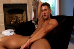 Cody Cummings shows an hot masturbation scene