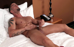 Handjob at the gym for hot guy